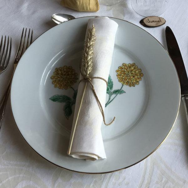 assiettes dépareillées vintages