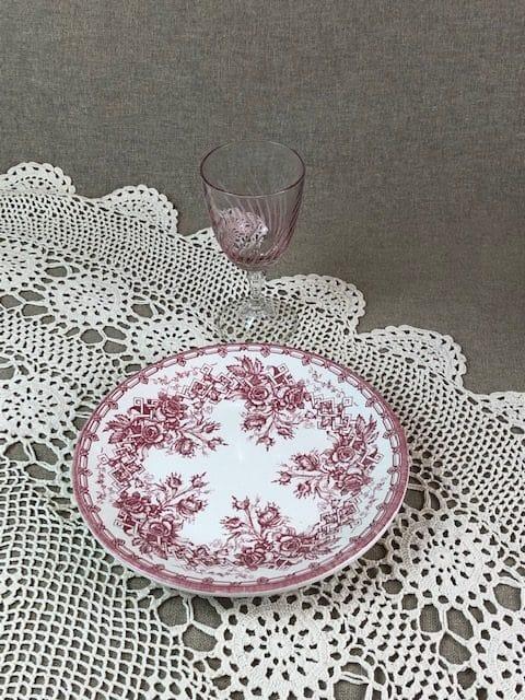 Assiette et verre vintage : Je vois la vie en rose pour mon mariage